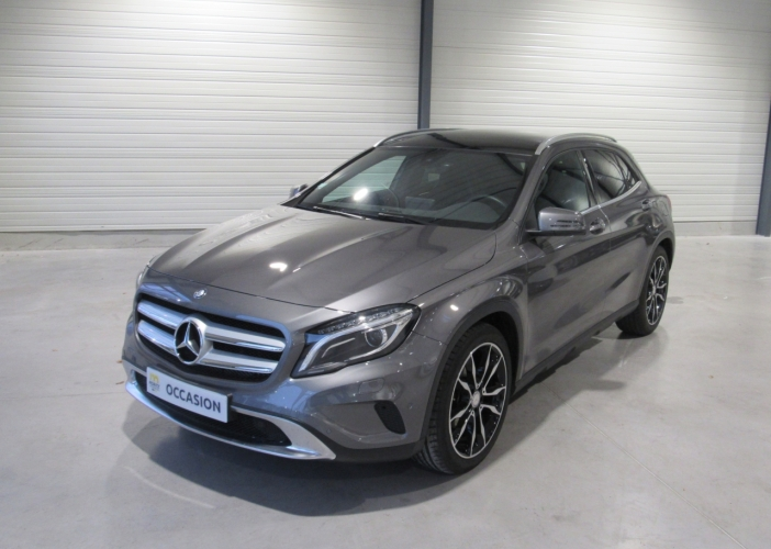 MERCEDES-GLA-220D 4 MATIC PACK AMG